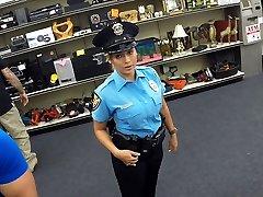 Lepe in velike joške policist gets zajebal v Shawns urad