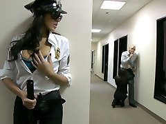 Seksi security guard