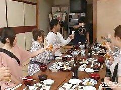 JAPONSKI KIMONO PORNO / Groupsex