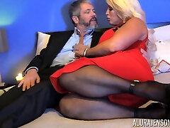 Kinky dude in tights fucks bodacious woman Alura Jenson