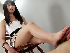 hot little SCHOOLGIRL give an amazing footjob shoejob