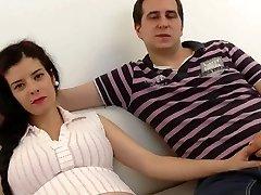 Zwangere Spaanse Vrouw Gedeeld