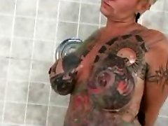 Famous Nudes a poppin Tattoo Woman Gets nasty