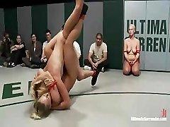 Nude wrestling a forma como deve ser, quente e com tesão para todos