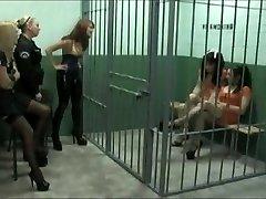 Medrosos na prisão