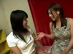Japanese lesbo beauties