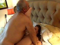 Bear bonks his wife hard
