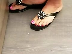 Sexy rosy milf toes and feet