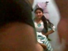 Super-fucking-hot Indian housewife pummeled by neighbor www.peehu.in