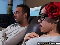 Brazzers - Nubiles Like It Big -  Out with Goth