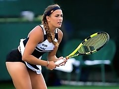 Tennis player has her panties exposed during her matches