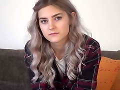 Jumpy cutie Tieny Mieny shows her hymen for the first time