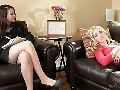 Girlsway Nympho Lesbian Seduces Therapist