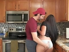'Boning AND COOKING! Thick Latina wife gets fucked while the husband cooks'