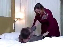 Versaute stepMom vernascht NOT her sonny
