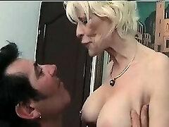 Mature femdom fetish brit in stockings faps losers dick