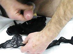 uusi pikkuhousut ja sukkanauha vyö sisu 2