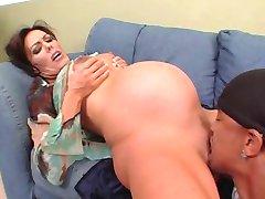 नैन्सी Vee - गर्भवती अंतरजातीय गुदा में चोदन