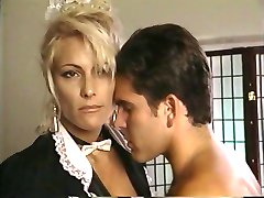 TT Boy décharge son foutre sur milf blonde Debbie Diamant