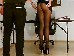 Sekreter külotlu çorap açık.
