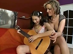 Dekleta & Igrače 319