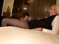 collants hôtesse de l'air baisée dur