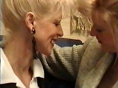 Français Liz Sou En Bouteille, De La Poigne... À Pieds ?