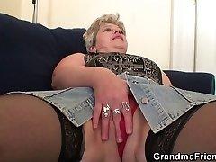 Stara babica dvojno penetracijo