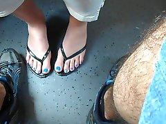 नीले नाखून, ट्रेन गुप्त Footsi