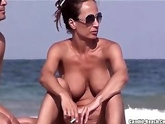 Nudistična Plaža MILFs Muco IZ SEXDATEMILF.COM Zaprite Okna Spycam Voyeur