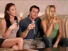 Super kul swinger party se začne takoj po nekaj kozarcev vina