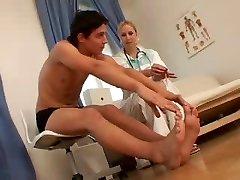 नंगा नर्स और मरीज