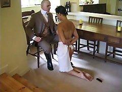 Človek disciplin, njegovo pomočnico