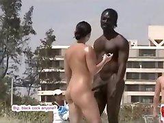 BBC üritab saada mõned tuss nude beach