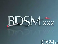 BDSM XXX rdečelaska Teen sužnji dekle je prekinjena po epski blow job kot Mojster prsti ji mokro luknjo