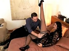 BEAUTIFUL NYLON LEGS WORCHIP