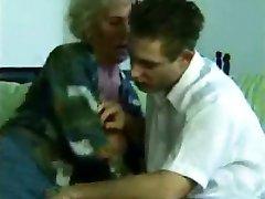 Nasty Γιαγιά Κρυφή Κάμερα
