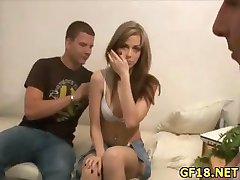 Sex appeal runde assed chick