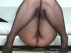 Seksi MILF Nina Hartley striptizeta kako part6