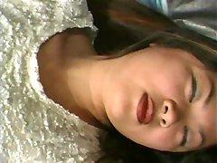Asiática de buceta creampie