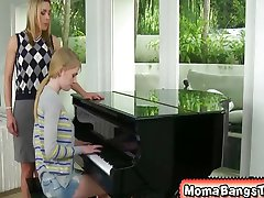 Prekleto, želim, moj klavir učitelj je bil to slabo za