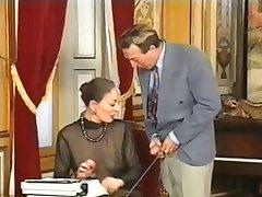 Ancien secrétaire de la poigne et anal baisée
