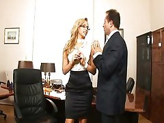 Sıcak Sekreter Aleska Diamond
