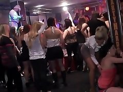 Amateur college girl group orgy in disco