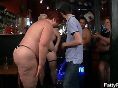 Meaty group party with three bbw