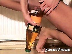 Skinny slut cazzo enorme bottiglie