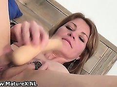 Horny skinny housewife is ramming huge part3