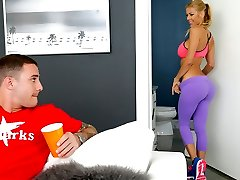 Alexis Fawx & Brad Hart in Violent fawx - MilfHunter