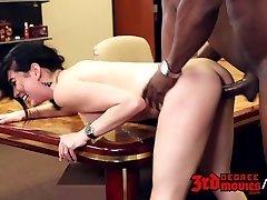 Aria Alexander fucks her dark boss