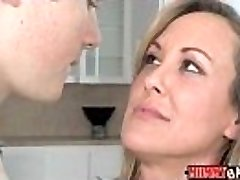 Teen Madison Chandler and buxomy COUGAR Brandi Love 3some